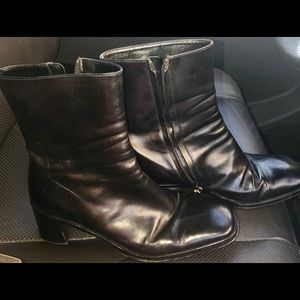 Vintage Gucci leather boots